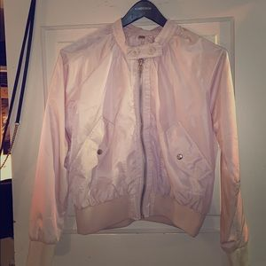 BABY PINK NYLON BOMBER PERFECT FOR SPRING